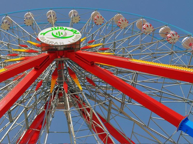 42 meter ferris wheel from below